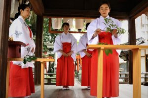 姓名判断 武信稲荷神社巫女体験風景写真1