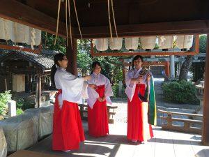 赤ちゃん名付け 武信稲荷神社巫女体験風景写真3