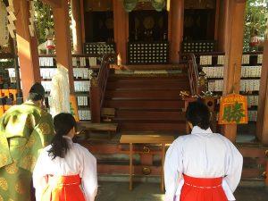 赤ちゃん命名 武信稲荷神社巫女体験風景写真2