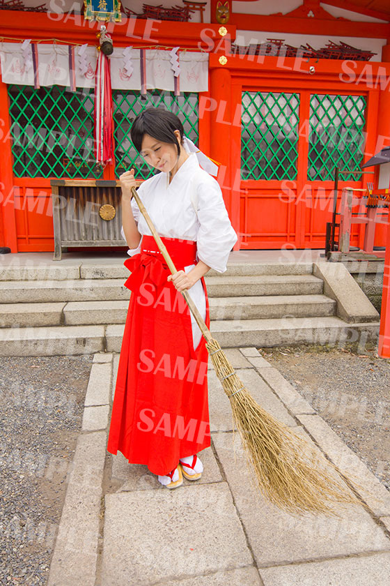 姓名判断 武信稲荷神社巫女体験写真見本3