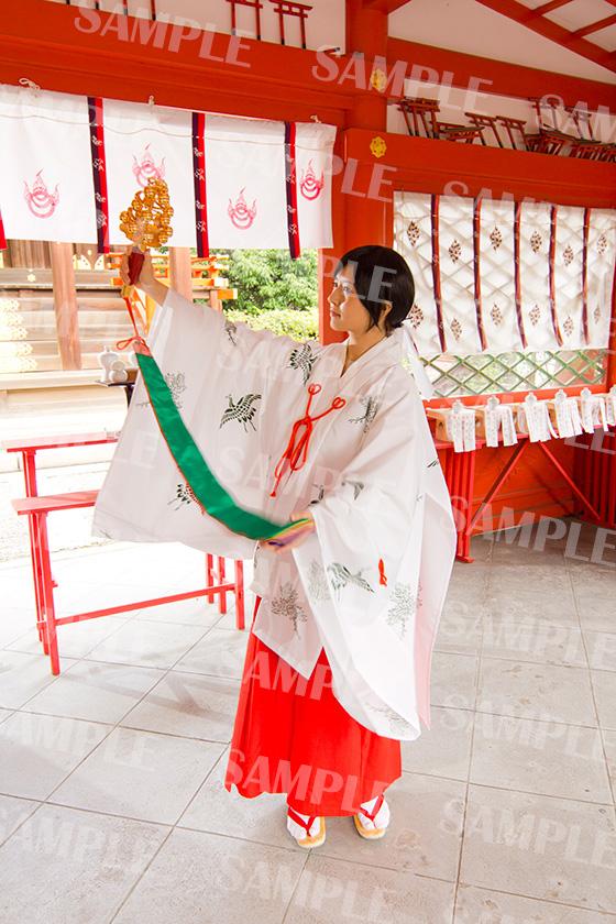 赤ちゃん名付け 武信稲荷神社巫女体験写真見本2